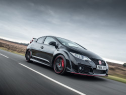 2017-honda-civic-type-r-black-edition-01