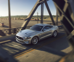 2018-ford-mustang-gt-08