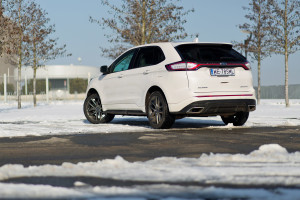 2016-ford-edge-sport-test-11