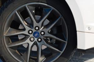 2016-ford-edge-sport-test-14
