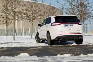 2016-ford-edge-sport-test-4