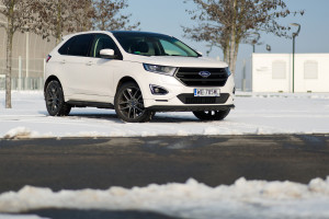 2016-ford-edge-sport-test-5