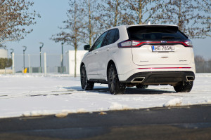 2016-ford-edge-sport-test-8