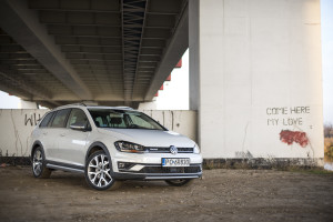 2016-volkswagen-golf-alltrack-18-tsi-4motion-test-1
