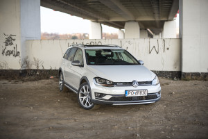 2016-volkswagen-golf-alltrack-18-tsi-4motion-test-2