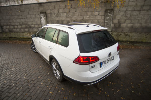 2016-volkswagen-golf-alltrack-18-tsi-4motion-test-28
