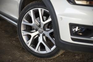 2016-volkswagen-golf-alltrack-18-tsi-4motion-test-4