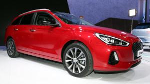 2017-hyundai-i30-wagon-1
