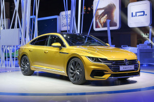 2017 Volkswagen Arteon fot. Autocar.co.uk
