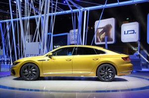 2017 Volkswagen Arteon fot. Autocar.co.uk