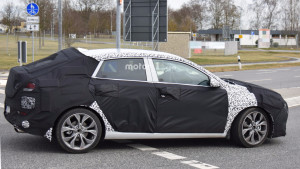 2018-hyundai-i30-fastback-spy-photo (1)