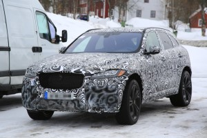 2018-jaguar-f-pace-svr-prototype-shows-quadruple-exhaust-hints-at-v8-power_1