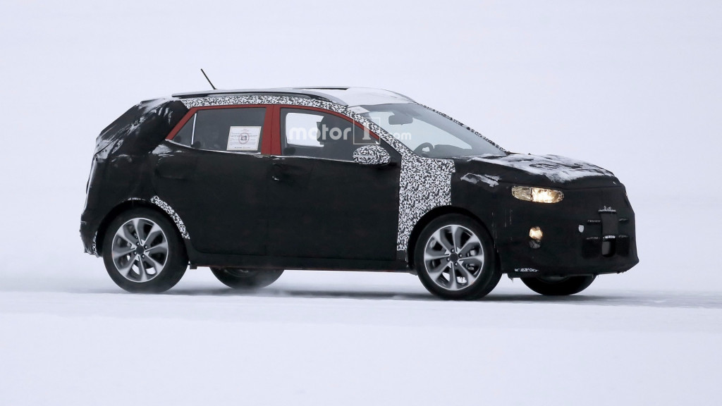 2018-kia-stonic-spy-photo (1)