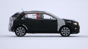 2018-kia-stonic-spy-photo (3)