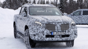 2018-mercedes-x-class-new-spy-photo (1)