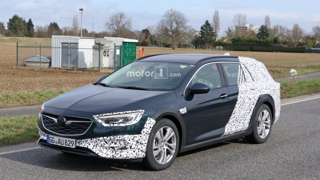 2018-opel-insignia-country-tourer-spy-photo (1)
