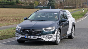 2018-opel-insignia-country-tourer-spy-photo