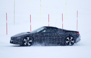 bmw-i8-spyder-spy-photos-16