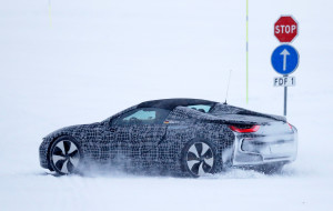 bmw-i8-spyder-spy-photos-18