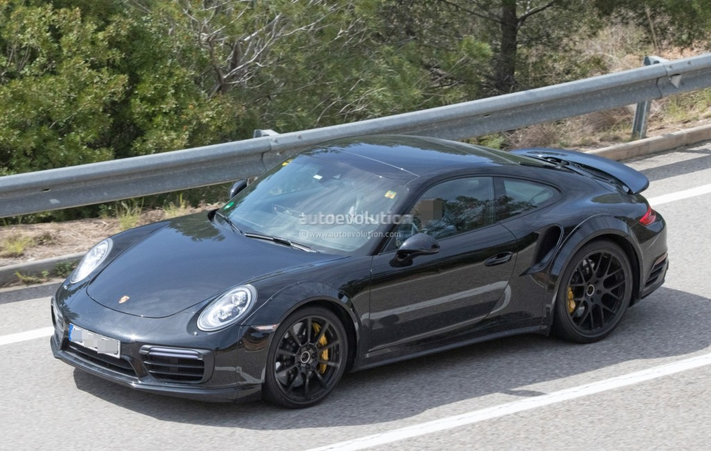 next-porsche-911-turbo-spied-for-the-first-time-could-bring-turbo-s-e-hybrid_6