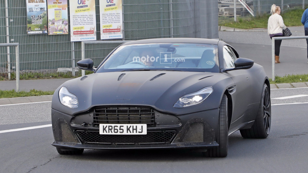 2018-aston-martin-db11-unidentified-coupe-spy-photo