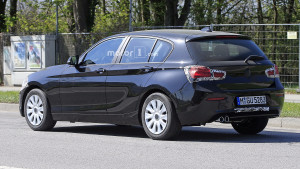 2018-bmw-1-series-facelift-spy-photo (1)