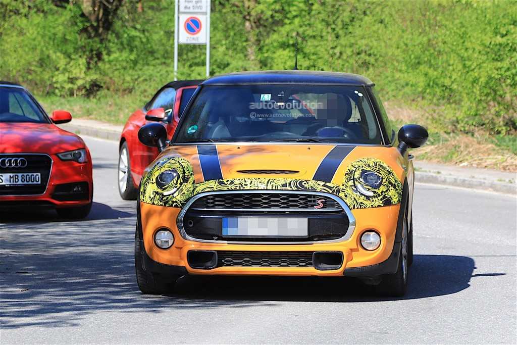 2018-mini-cooper-s-facelift-starts-testing-on-the-road_2