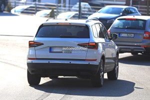 2018-skoda-yeti-replacement-karoq-gets-into-focus-in-new-spy-photos_9