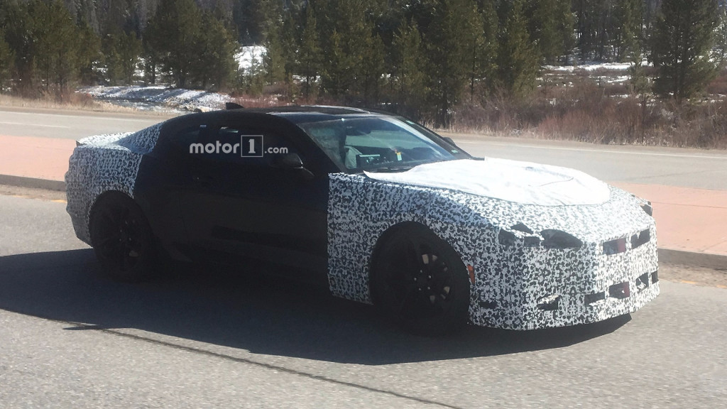 2019-chevy-camaro-spy-shots (1)