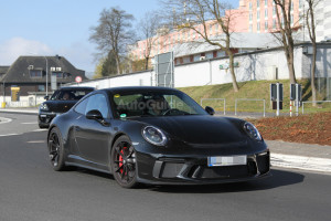 mysterious-porsche-911-spy-photos-03
