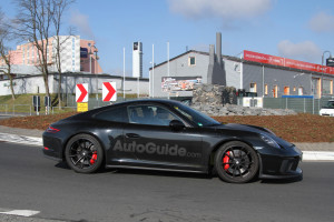 mysterious-porsche-911-spy-photos-04