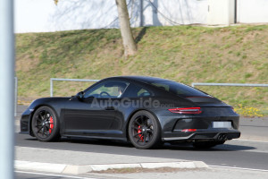 mysterious-porsche-911-spy-photos-07