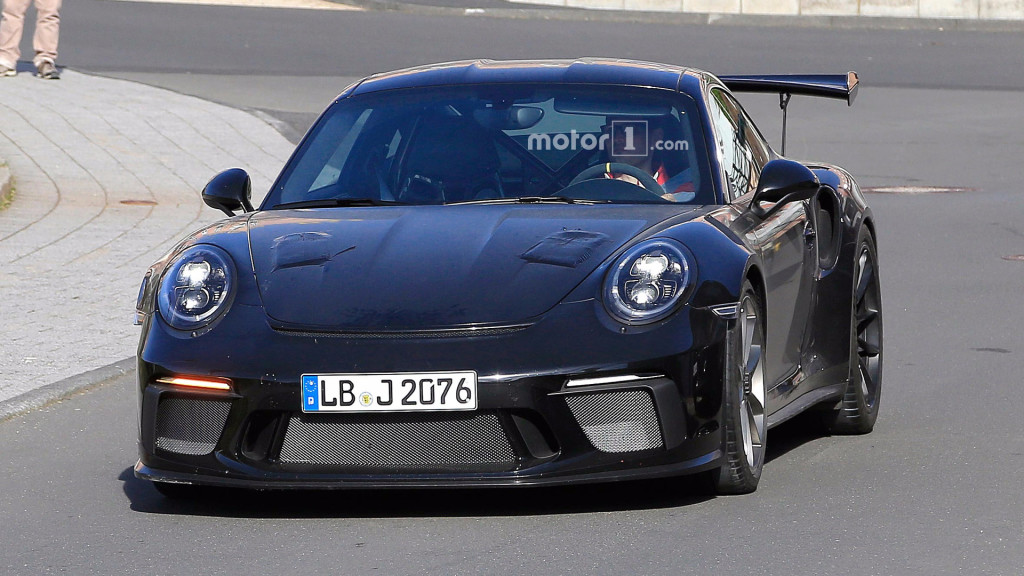 porsche-911-gt3-rs-refresh-spy-pics
