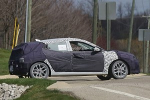 second-generation-hyundai-veloster-prototype-hides-cleaner-look-odd-doors-stick_4