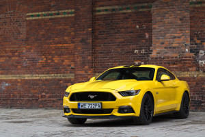 2017-ford-mustang-gt-test-12