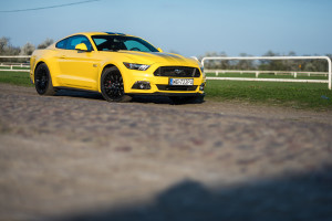 2017-ford-mustang-gt-test-15