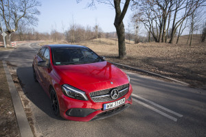 2017-mercedes-a220-4matic-test-1