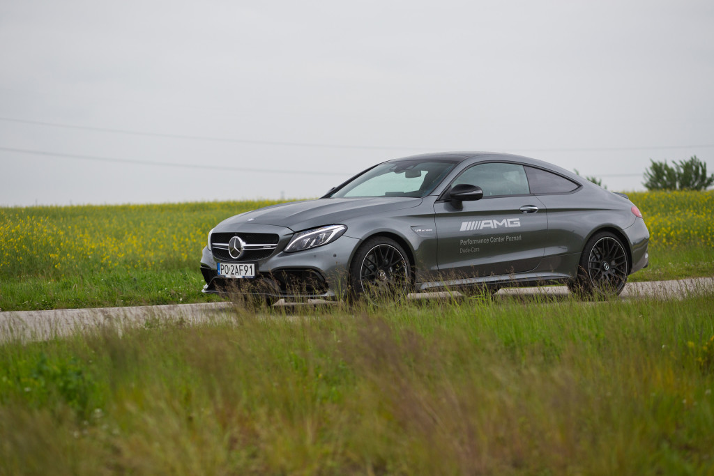 2017-mercedes-amg-c63-coupe-test-3