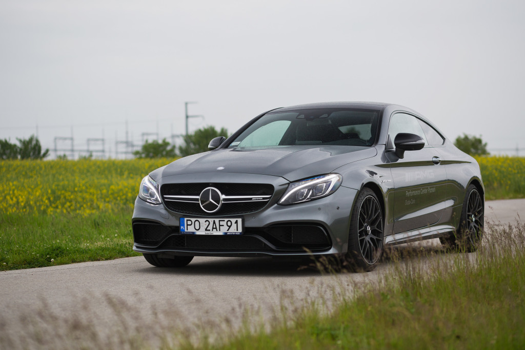 2017-mercedes-amg-c63-coupe-test-4