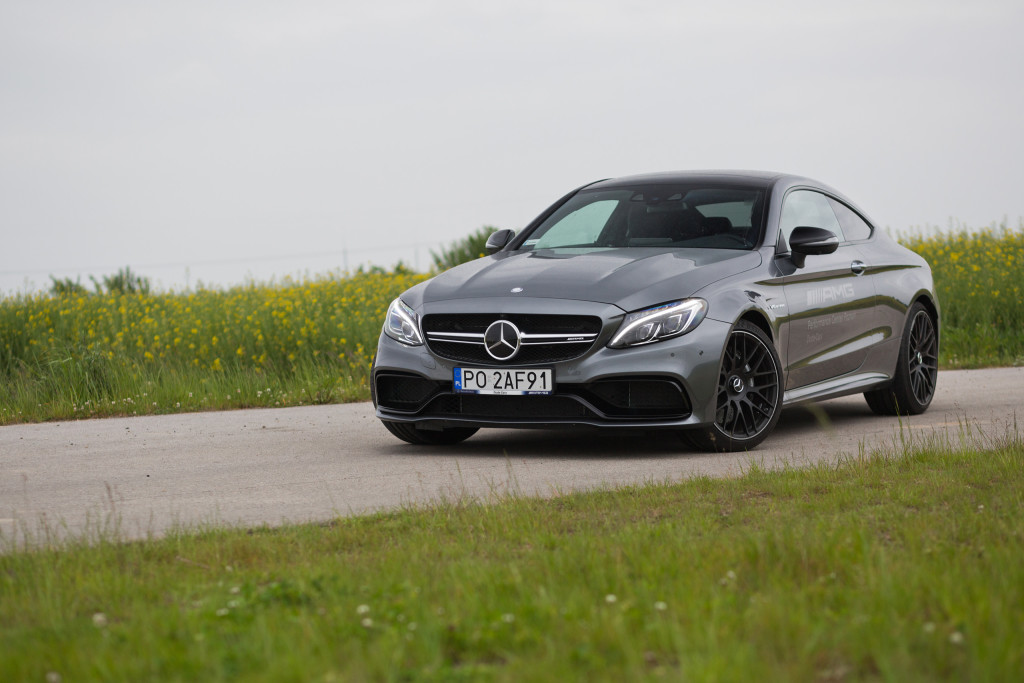 2017-mercedes-amg-c63-coupe-test-5