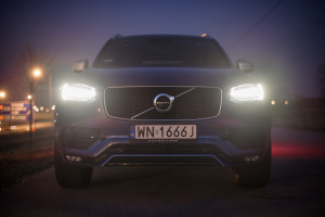 Volvo-XC90-D5-R-Design-07