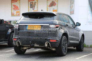 all-new-range-rover-evoque-mule-spied-inside-and-out_1