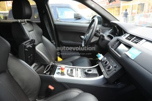 all-new-range-rover-evoque-mule-spied-inside-and-out_3
