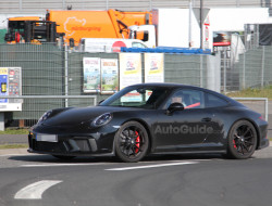 mysterious-porsche-911-spy-photos-06