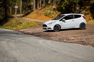 2016-ford-fiesta-st200-test-3