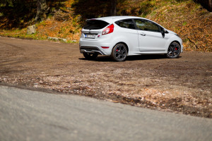 2016-ford-fiesta-st200-test-4