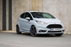 2016-ford-fiesta-st200-test-7