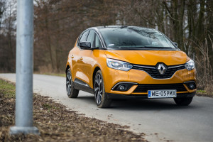 2017-renault-scenic-12tce-1