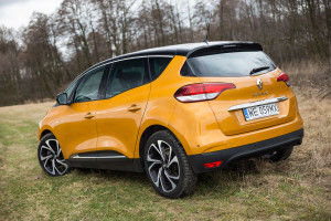 2017-renault-scenic-12tce-15