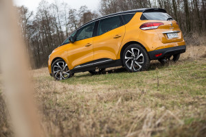 2017-renault-scenic-12tce-16